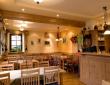 Die Weinstube des Gästehaus Lutz bietet insgesamt Platz für ca. 80 Personen, verteilt auf den Hauptraum für 45 Personen und zwei Nebenräume (18 und 15 Personen) - mit freundlicher Genehmigung des Weingutes Lutz
